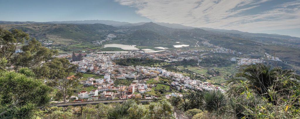 Arucas und die Berge im Norden von Gran Canaria.