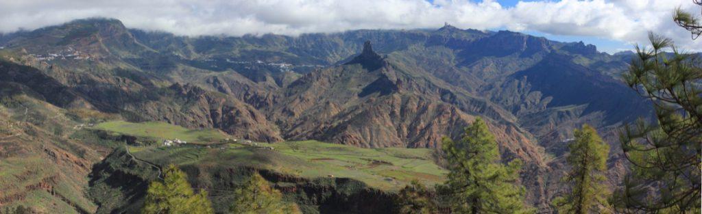 Panorama Hochplateau von Acusa, Roque Bentaiga und Roque Nublo im Zentrum von Gran Canaria
