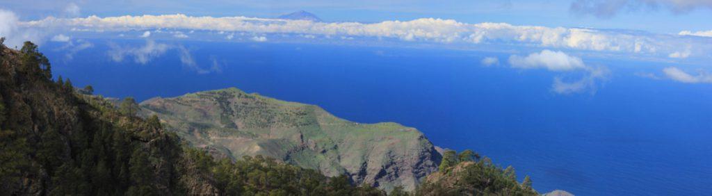Blick vom Weg zum Altavista nach Westen mit den Bergen von Tirma und dem Teide